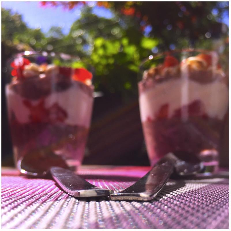 Chia-Pudding mit Joghurt und Beeren