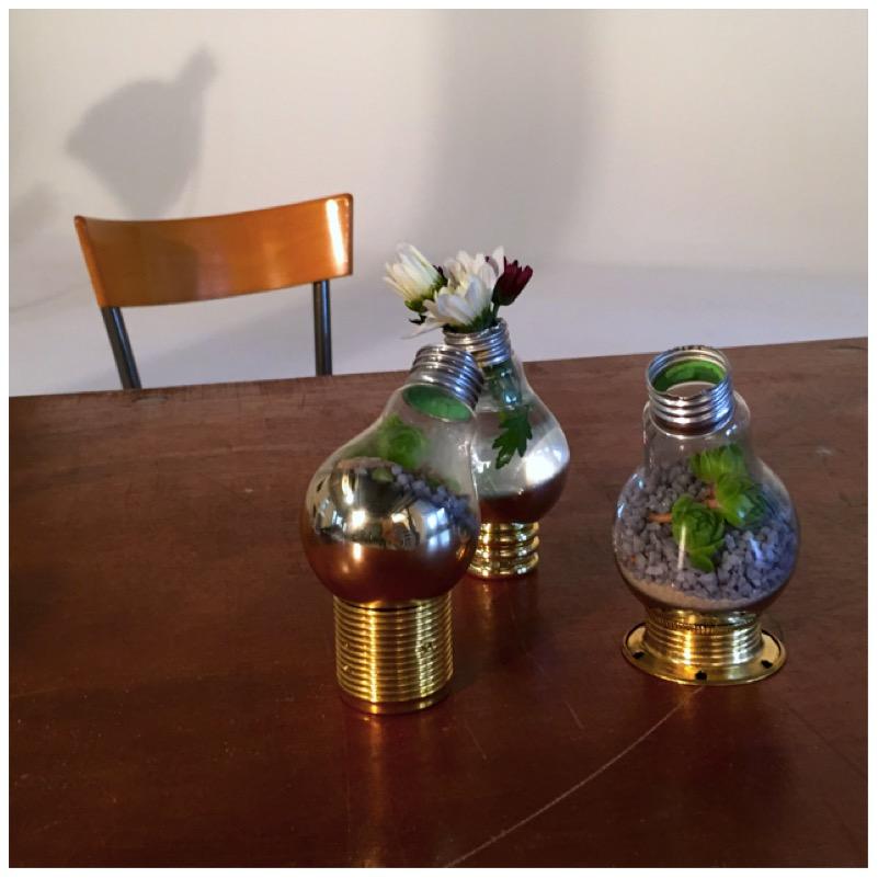 Vasen und Terrarien aus alten Glühbirnen16