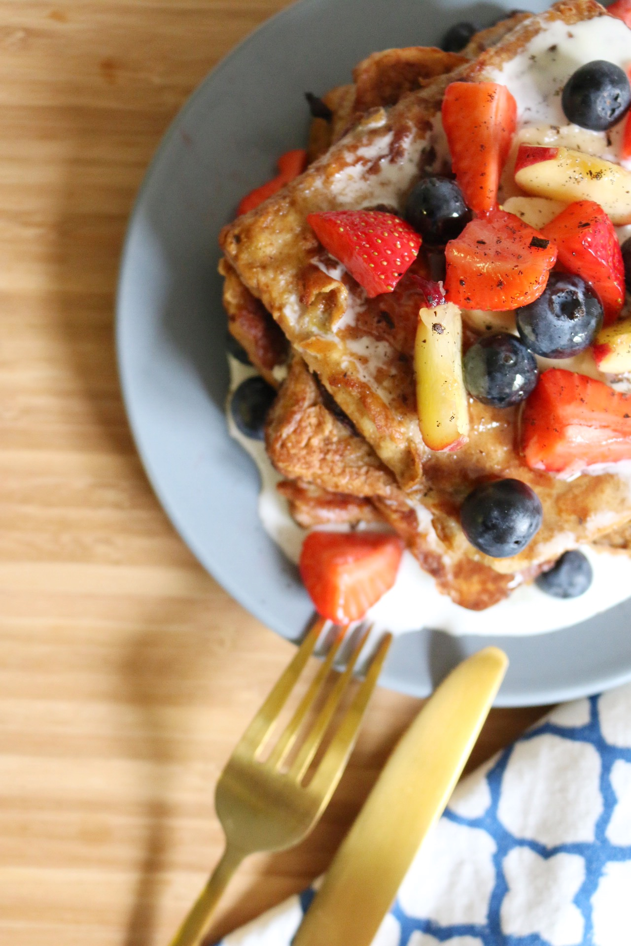 French Toast mit Kokoscreme & frischem Obst by eat blog love_7