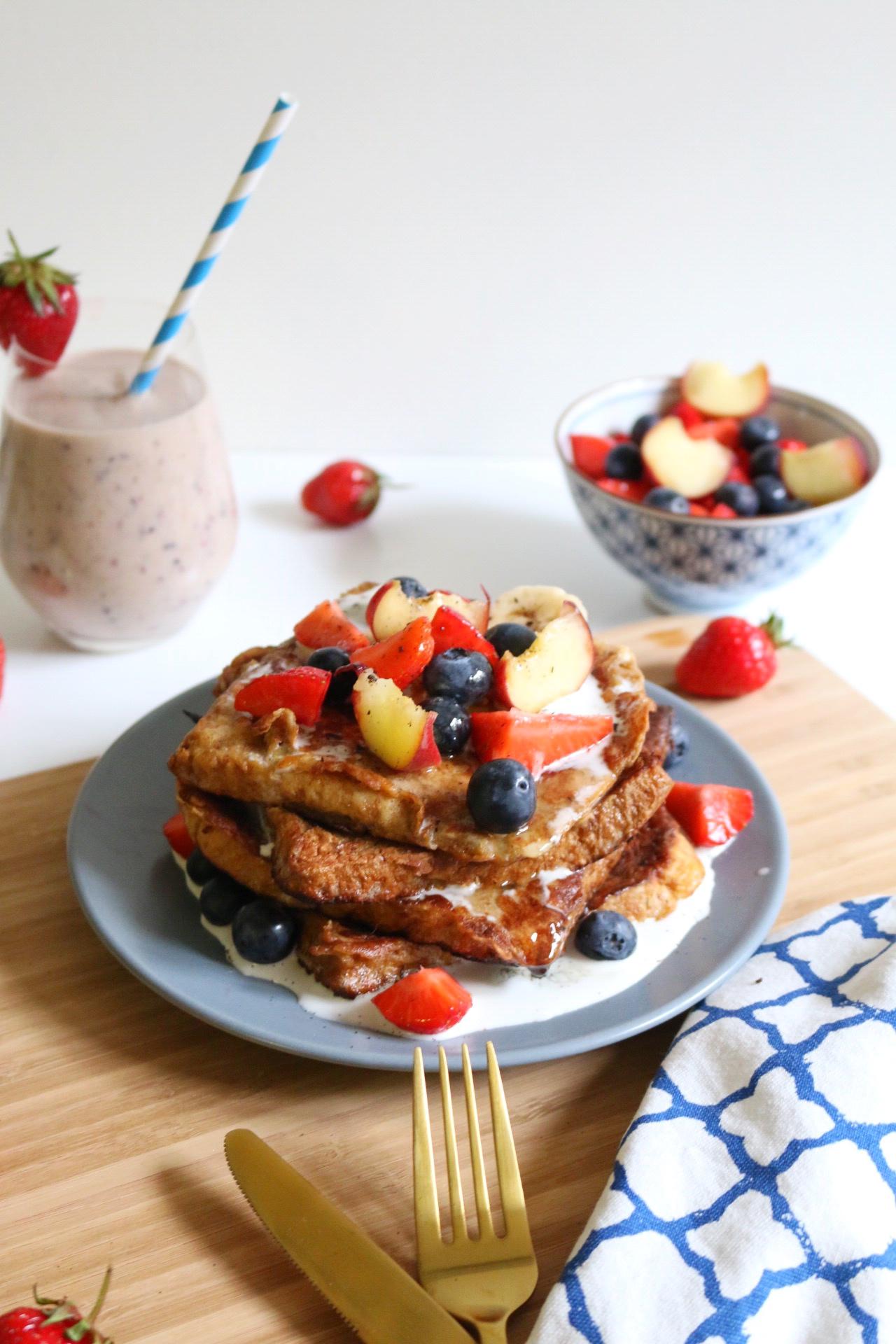 French Toast mit Kokoscreme & frischem Obst by eat blog love