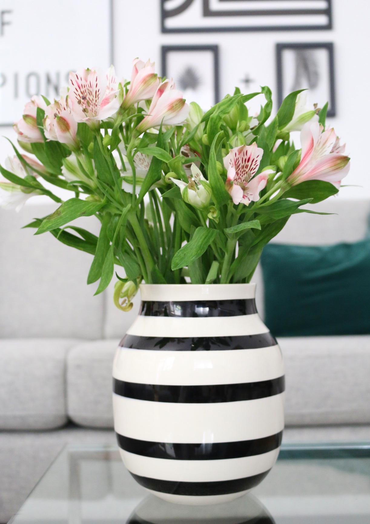 Eine neue Bilderwand in Schwarz und Weiß by eat blog love_3