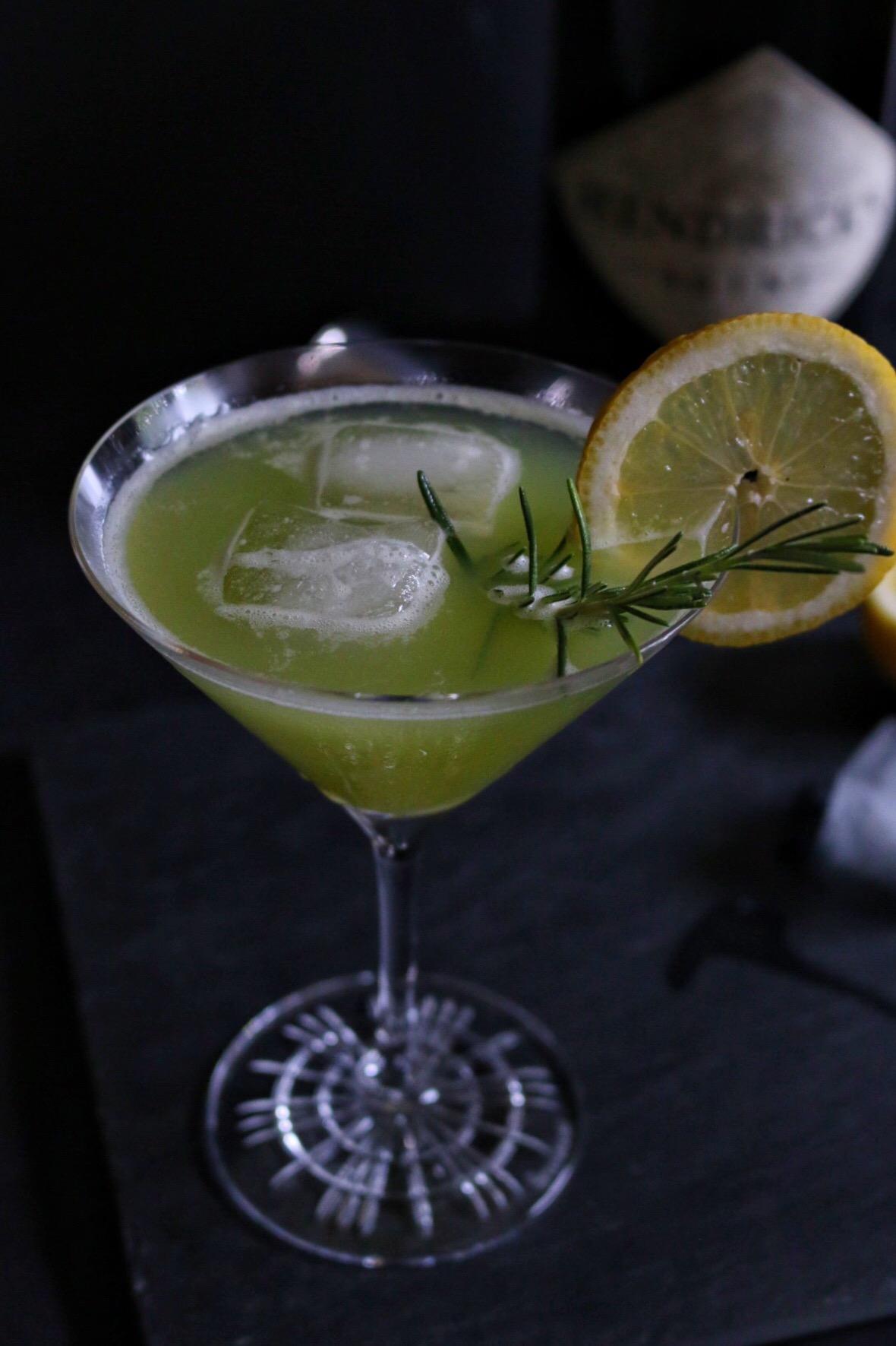 Cucumber Lemonade Gin Chiller by eat blog love