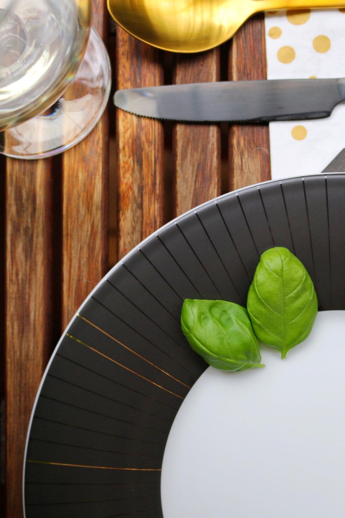 Diner en noir - Bunter Gemüseauflauf by eat blog love