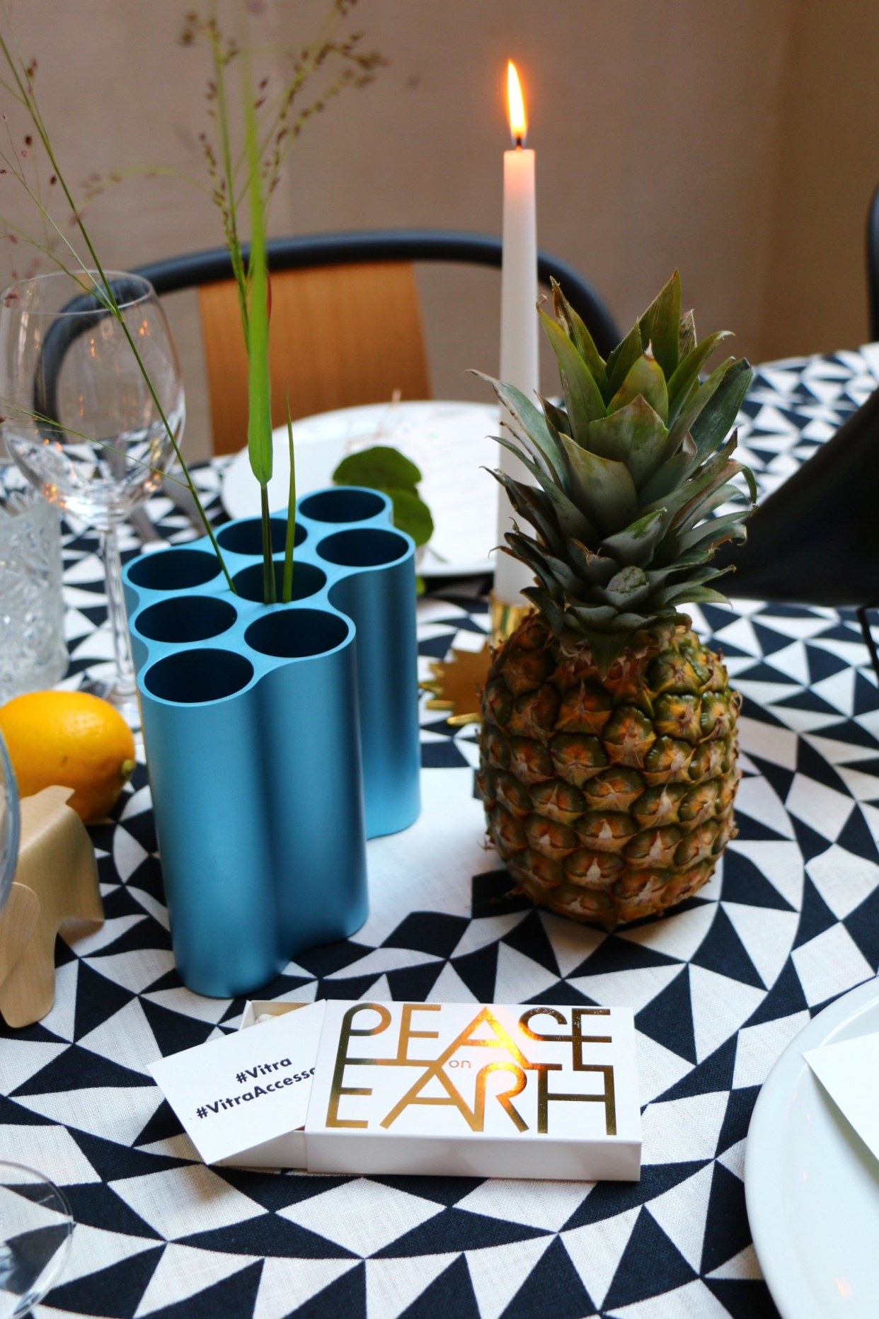 Vase von Ronan & Erwan Bouroullec - Vitra Summer Dinner in Berlin by eat blog love