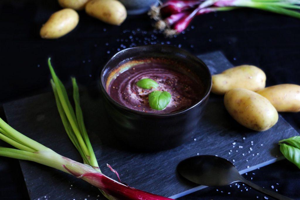Purple Vegetable Soup - Violette Gemüsesuppe by eat blog love