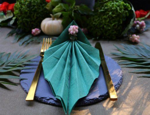 Urban Jungle Table Setting - Servietten zu Blatt falten by eat blog love
