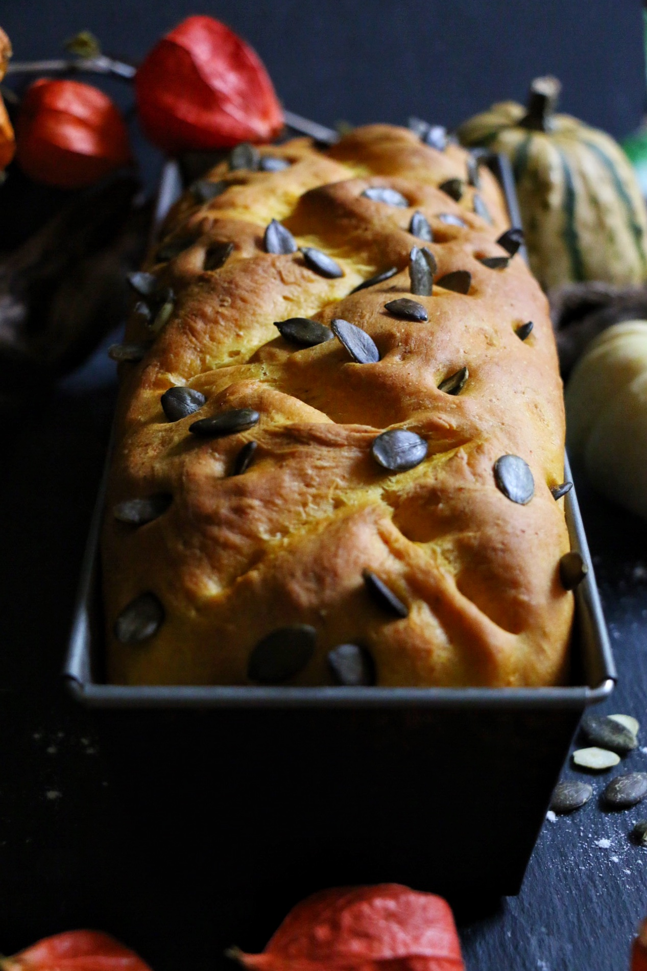 Pumpkin Bread - Frisches Kürbisbrot by eat blog love