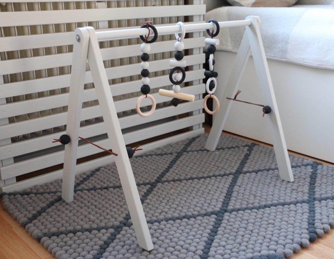 diy wooden baby gym babygym aus holz im skandinavischen design eat blog love. Black Bedroom Furniture Sets. Home Design Ideas