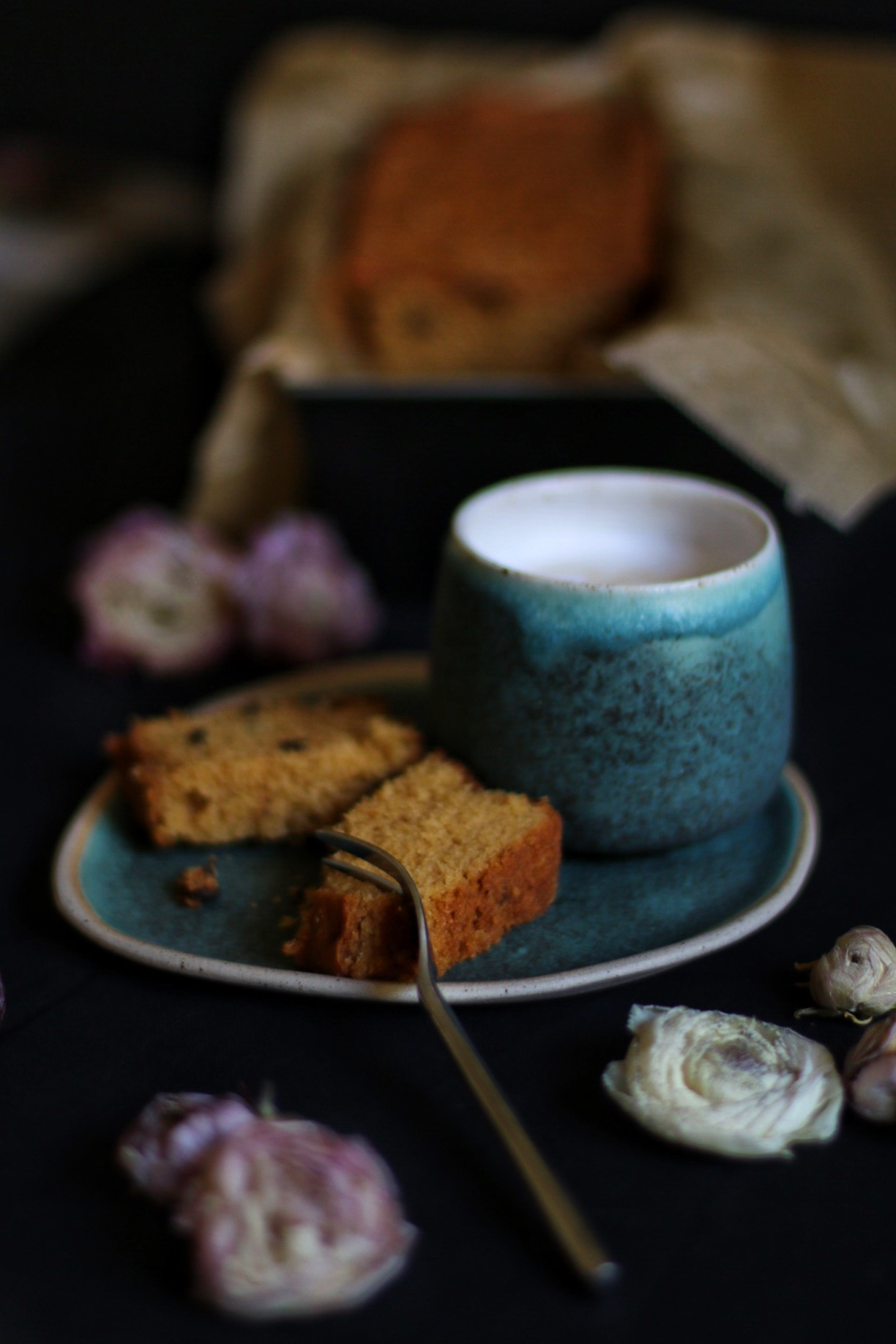 Lemon Chocolate Chip Cake by eat blog love_