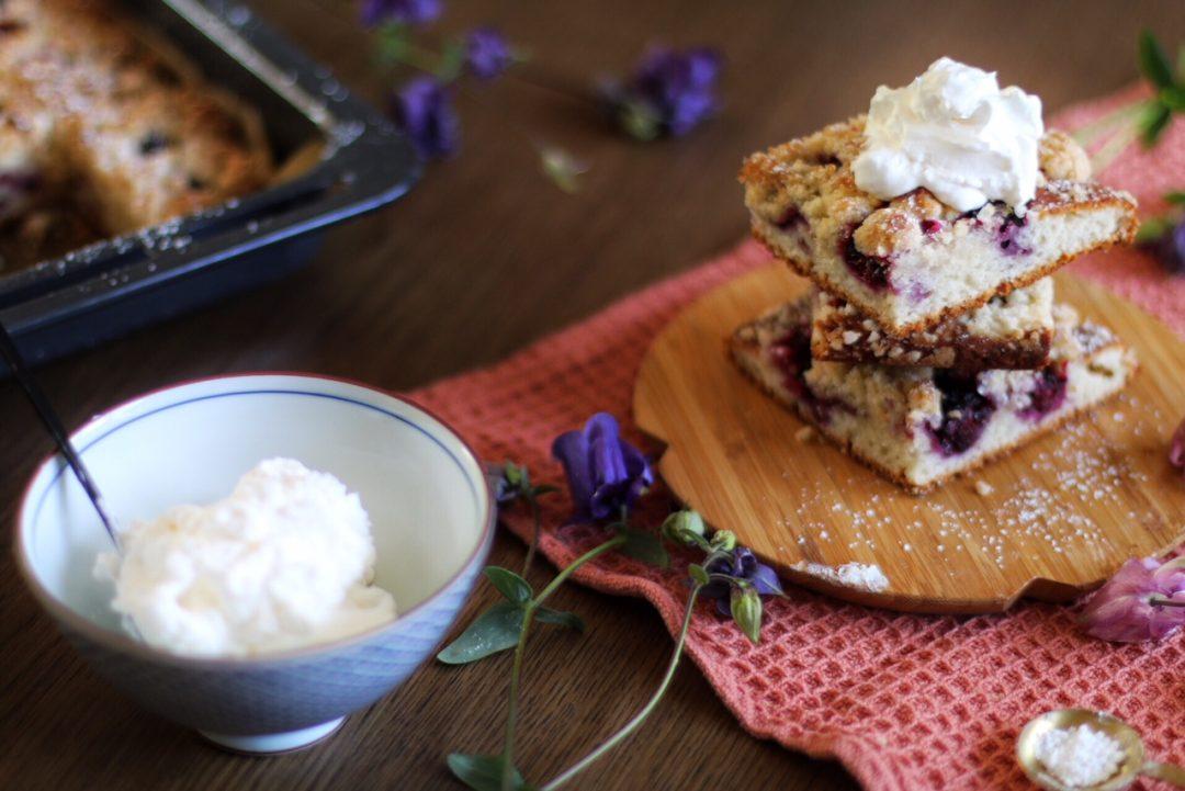 Brombeerstreuselkuchen Mit Quark öl Teig Vom Blech Eat Blog Love