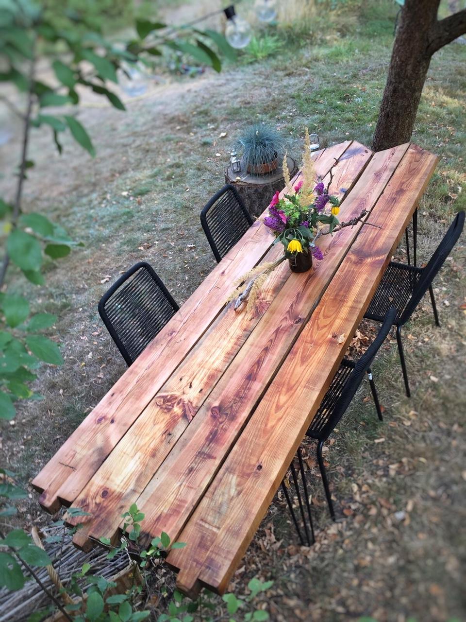 DIY - Gartentisch aus alten Holzbohlen selber bauen  eat blog love
