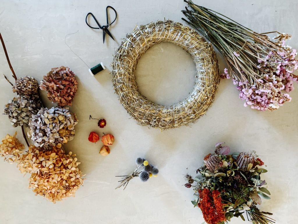 30-Minuten-DIY: Herbstkranz aus Trockenblumen by eatbloglove.de